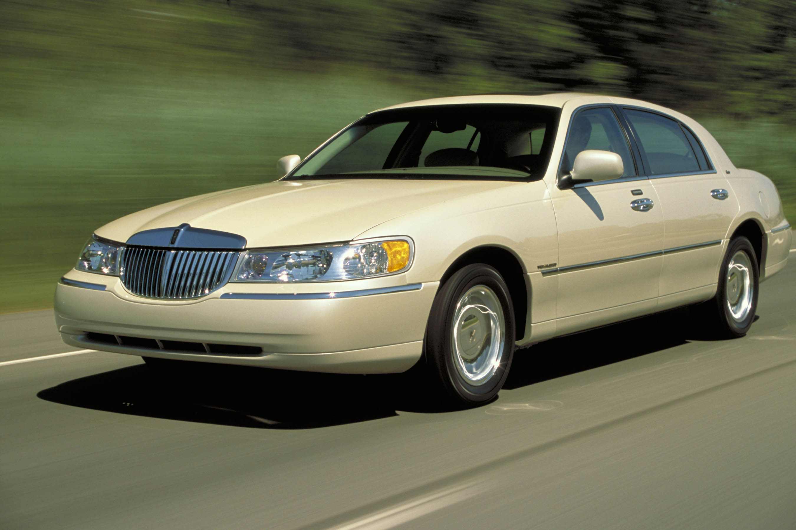 2003 lincoln town car cartier fuel infection. Black Bedroom Furniture Sets. Home Design Ideas